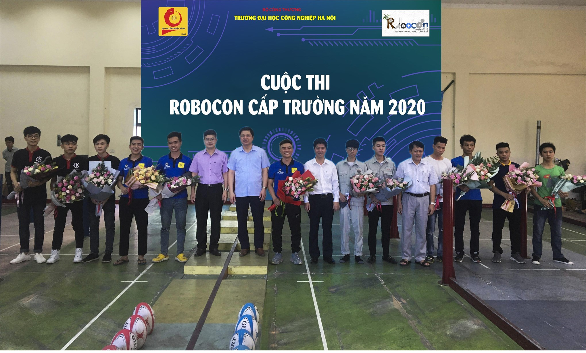 Đội ĐT-03 khoa Điện tử đạt giải Nhất cuộc thi robocon cấp Trường