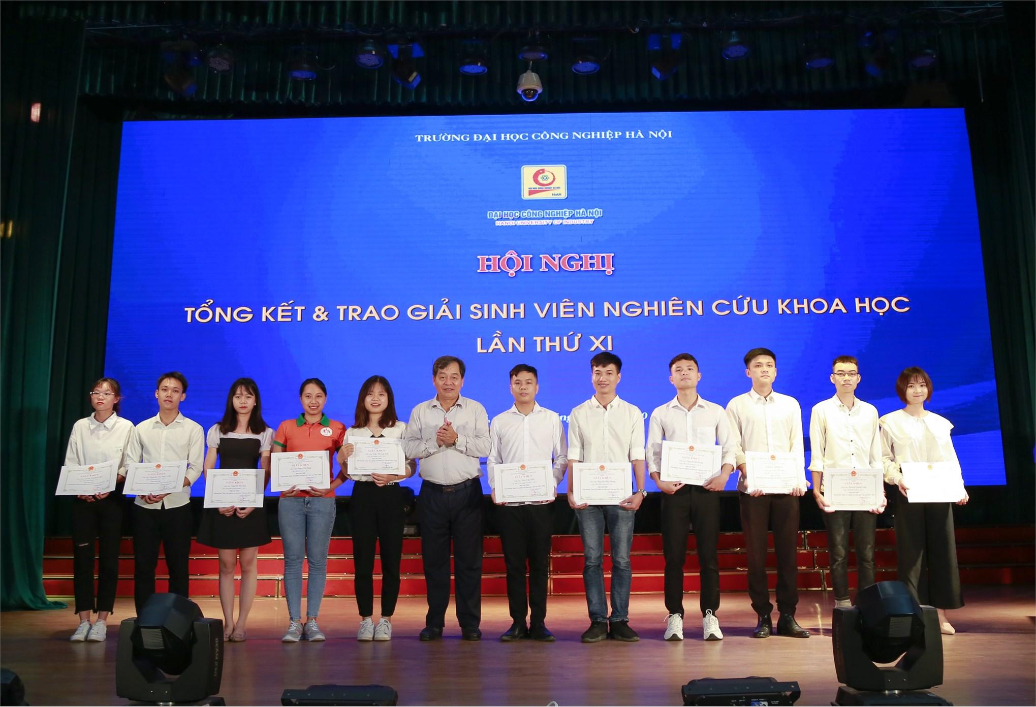 Hội nghị Tổng kết và Trao giải Sinh viên nghiên cứu khoa học - Lần thứ XI