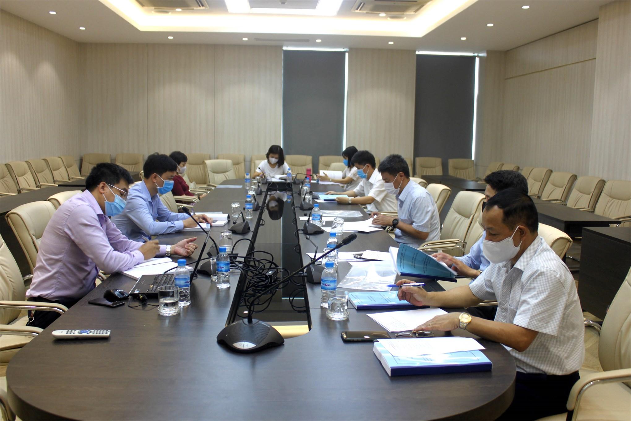 """Nghiệm thu đề tài NCKH cấp trường: ''Nghiên cứu ảnh hưởng chất lượng lợi nhuận đến tỷ suất sinh lợi cổ phiếu doanh nghiệp tại Việt Nam """""""