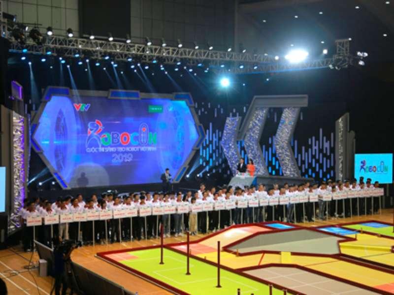 Khai mạc vòng Chung kết Robocon toàn quốc năm 2019, DCN - ĐT3 giành quyền vào vòng 1/8