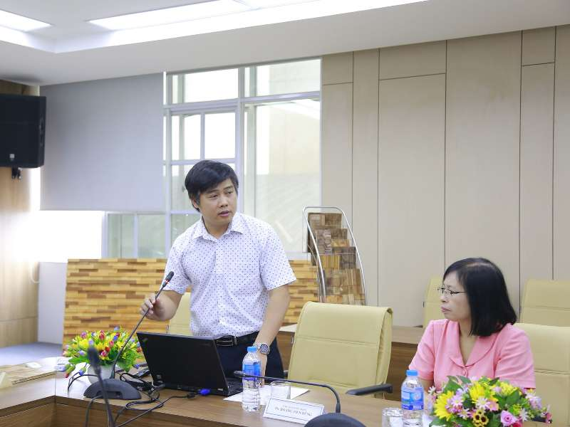 """Nghiệm thu cấp cơ sở đề tài NCKH TP Hà Nội: """"Nghiên cứu ứng dụng công nghệ sản xuất tấm trang trí 3D từ gỗ rừng trồng"""""""